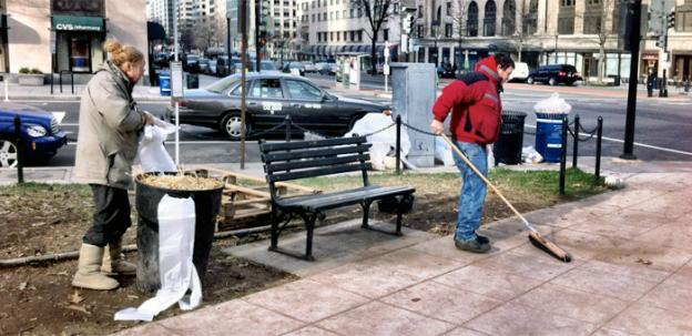 Crews attempted to clean up McPherson Square last week to eradicate the rat problem, but the mayor is now arguing for the part to be cleared altogether to deal with the issue.