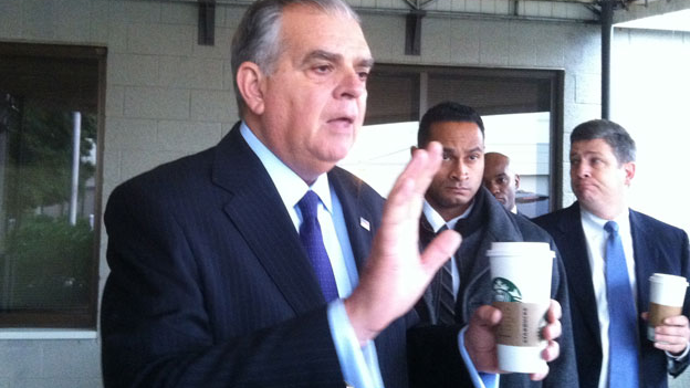 U.S. Secretary of Transportation Ray LaHood will step down as soon as a replacement is found.