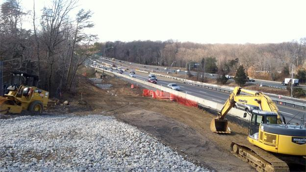 Alexandria residents contend that the off-ramp would make their air qualioty hazardous.
