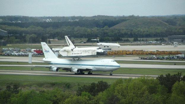 Shuttle Discovery lands at Dulles Airport April 17.