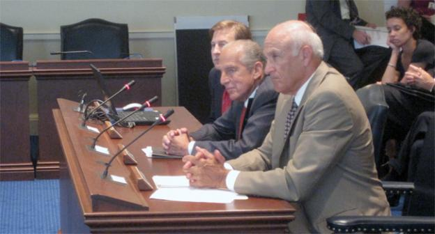 David Cordish, center, speaks at the first meeting of the advisory group looking at gaming expansion in Maryland in Annapolis.