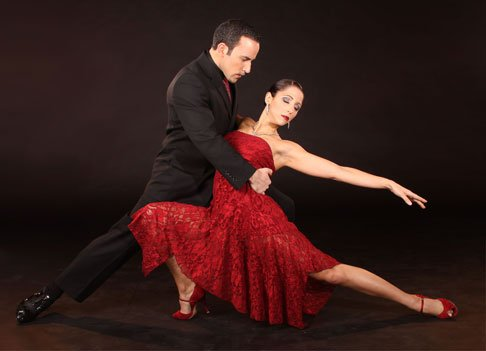 Argentine dance duo Jeremías Massera and Mariela Barufaldi perform in Puro Tango 2.