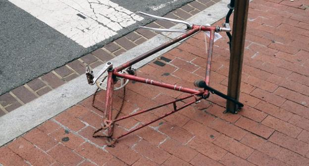 Bikes like this one, abandoned at the corner of 5th St. & H St. NW could be put to better use.