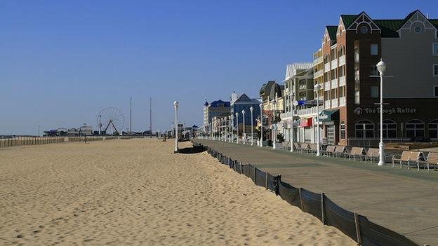 An Ocean City councilman is trying to ban saggy pants on the boardwalk.