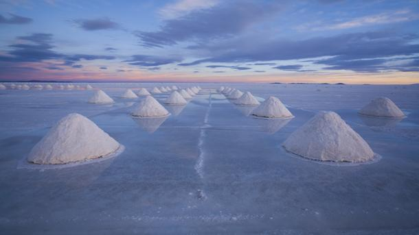 George Steinmetz explored desert landscapes on an aircraft best described as half-rocket, half-paraglider. You can see his photos with your feet firmly planted on the ground.