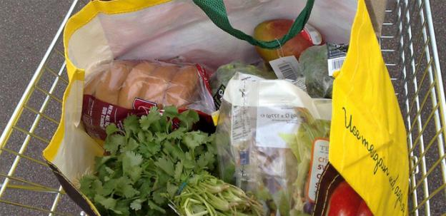 While they reduce waste, reusable grocery bags can have problems of their own.