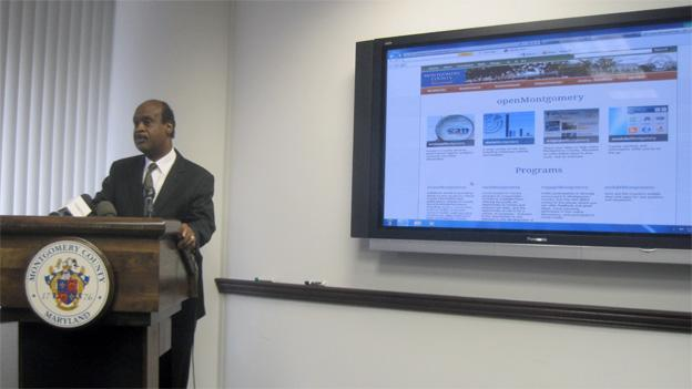 Montgomery County executive Isiah Leggett introduces openMontgomery at a meeting Wednesday.