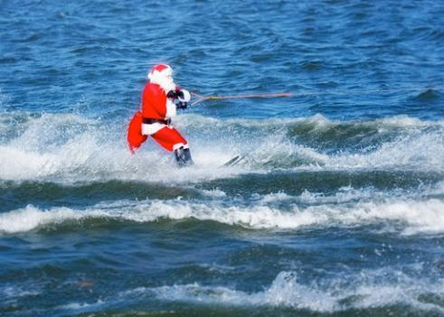 Water-Skiing Santa is back just in time for Christmas.