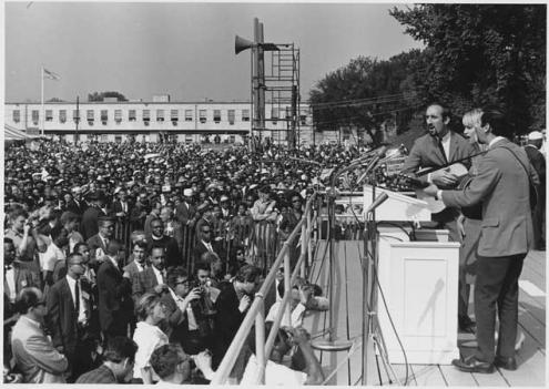 Peter, Paul and Mary perform at the 1963 March on Washington.