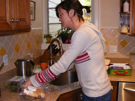 Selena Smart prepares lunch for her two sons instead of letting them eat the lunches provided by their school.