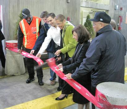 D.C. Delegate Eleanor Holmes Norton cuts the ribbon on non-stop intercity bus service out of Union Station in D.C.