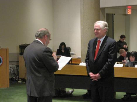 Richard Sarles takes the oath of office as Metro's new, permanent general manager.