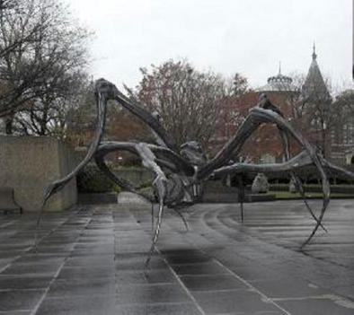 """Crouching Spider"" welcomes visitors to the Hirshhorn through May."
