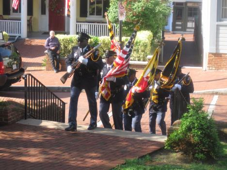 An honor guard leads the procession of former Gov. William Schaefer's casket into the state house.