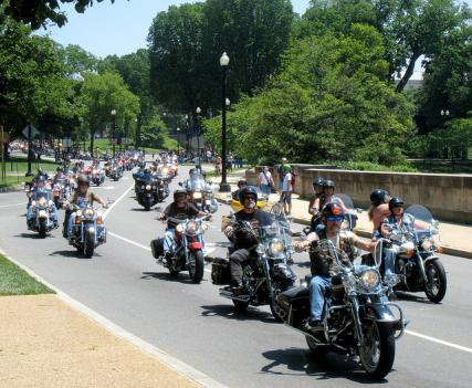 Sunday's Rolling Thunder demonstration in honor of military POWs will result in road closure around the National Mall and monuments.