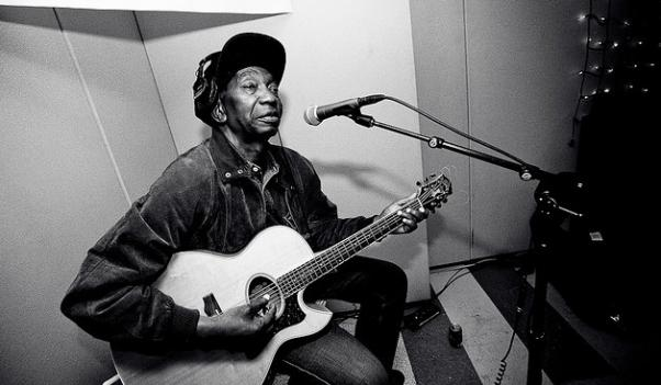 "Thomas ""The Lion of Zimbabwe"" Mapfumo plays the Kennedy Center Saturday."