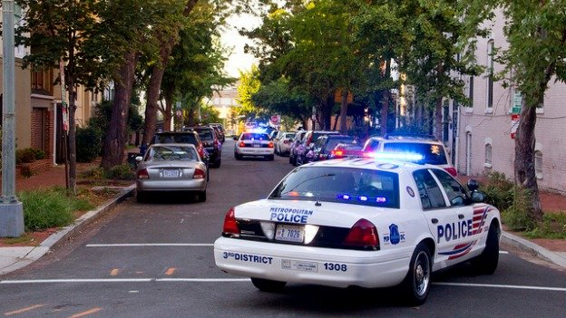 D.C.'s police radios and 911 system fell victim to a power outage yesterday.