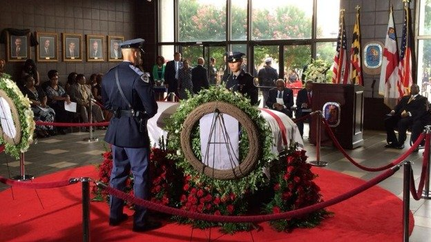 Curry's body will lie in state at the seat of the Prince George's County government in Upper Marlboro today.