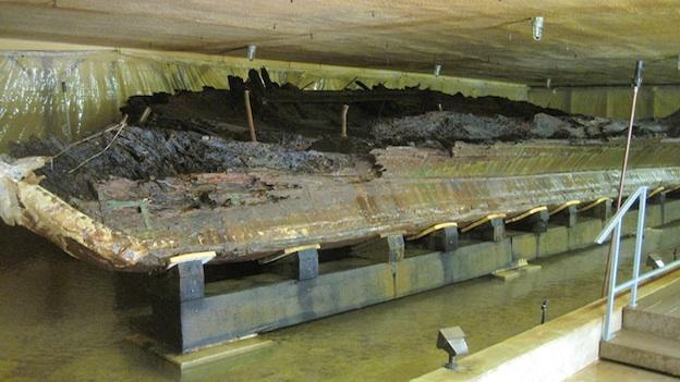 DeBraak, a British Royal Navy ship, sank to the bottom of the Delaware Bay.