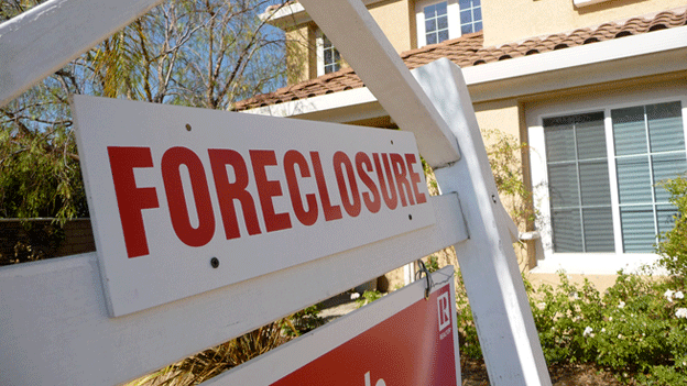 Rep. Elijah Cummings (D-Md.) wants hearings to be held to find out whether federal regulators mishandled foreclosures.