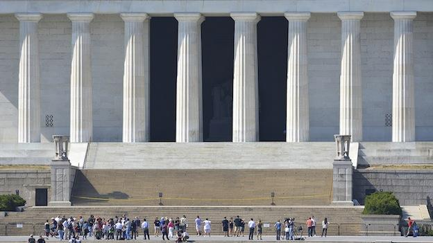 A rope blocks off the Lincoln Memorial during the government shutdown.