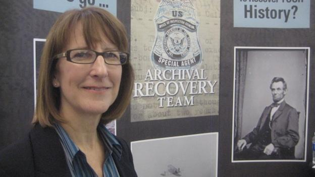 "Kelly Maltagliani has been a criminal investigator at the National Archives for the past 9 years. She says she loves her job because she feels like she ""makes a difference."""
