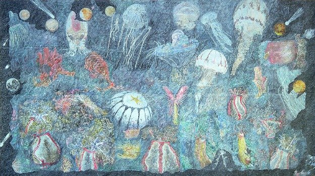 Ann McCoy's 1979 work Ach Rèalt na Glanmhaigdine ina ga ar an Uiscedepicts the colorful world under the sea.