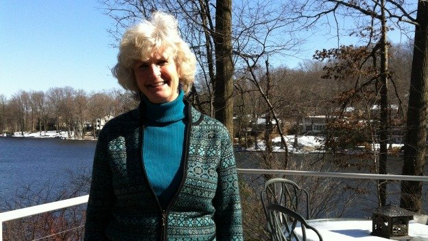 Betsy Washington lives in Lake Barcroft, Virginia.