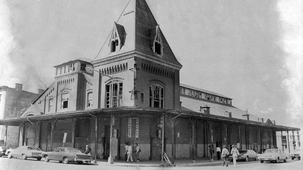In 1881, the city opened the O Street Market at 7th and O Streets, finally replacing the Northern Liberty Market that had stood in Mount Vernon Square from 1846 until its demolition in 1872.