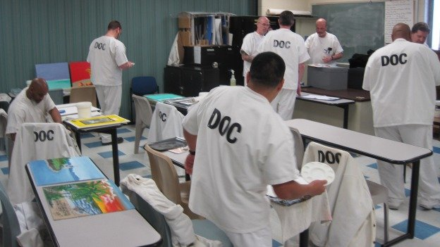 As part of a small program, prisoners at one prison in coastal Delaware get once-a-week therapeutic art classes.