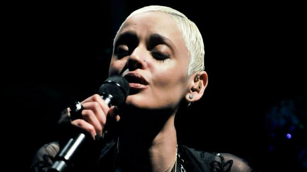 Mariza is back in the game, performing Portuguese fado music.