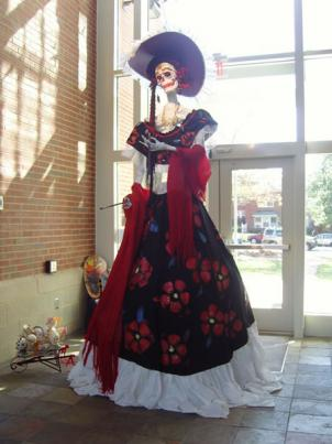 (October 31) DIA DE LOS MUERTOS [Ofrenda: Art for the Dead]() includes a masked Halloween Ball, art exhibit, parade and performances and it's all free at Alexandria's [Torpedo Factory]() tomorrow from 3pm to midnight.  10-30-09 ofrenda Catrina by Mara Odette< />< />