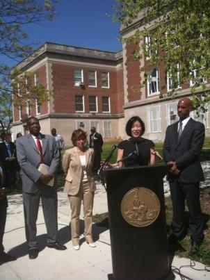 From left to right: Washington Teachers Union George Parker, President of the American Federation of Teachers Randi Weingarten, D.C. Public Schools Chancellor Michelle Rhee and D.C. Mayor Adrian Fenty came together to announce the new tentative union contract.