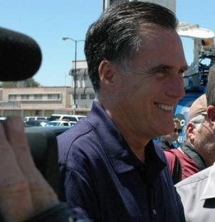 Mitt Romney, who has announced he is seeking the Republican nomination for president in 2012, has chosen Virginia Lieutenant Governor Bob Bolling to run his Virginia campaign.