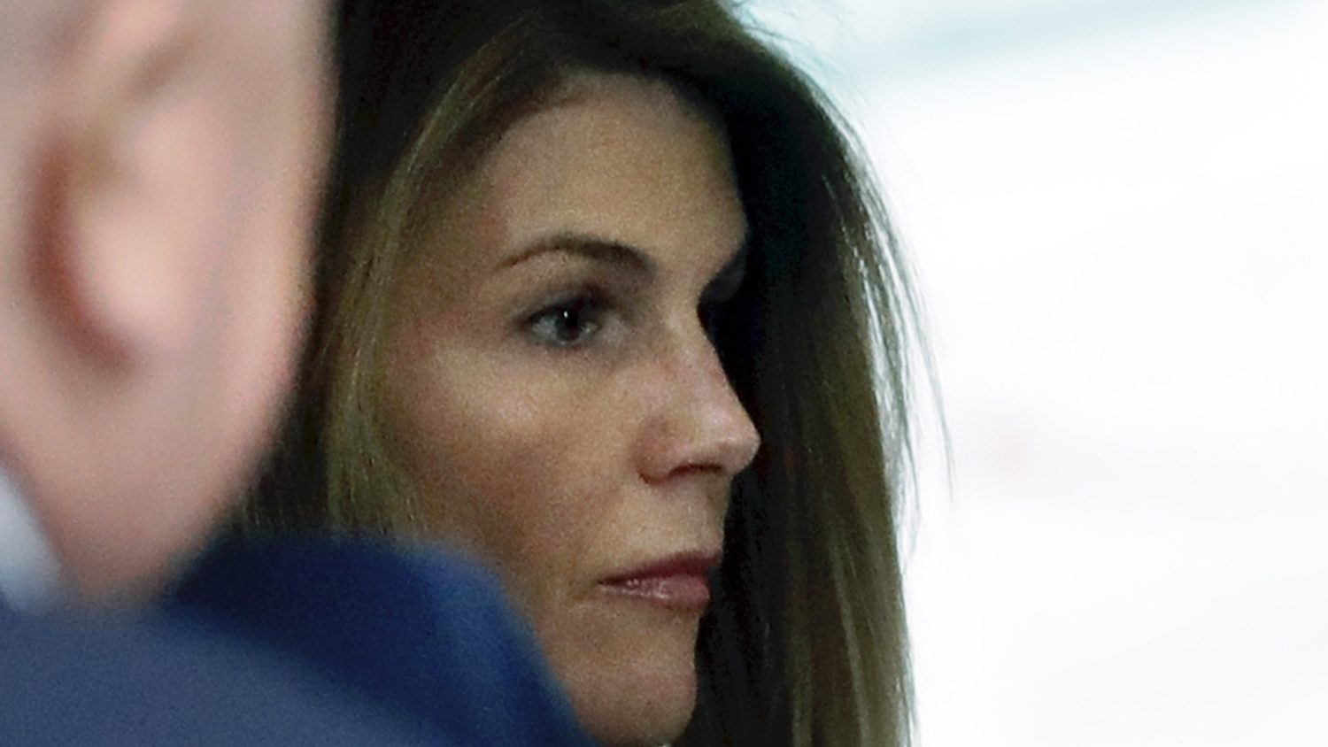 Lori Loughlin And Mossimo Giannulli Receive Prison Sentences For ...
