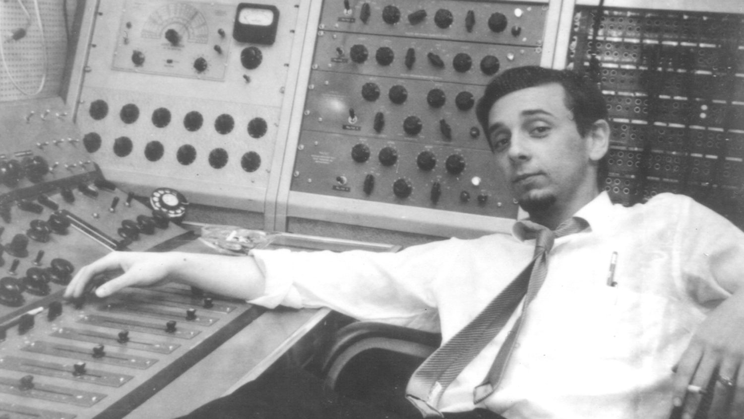 Phil Spector, Legendary Record Producer And Convicted Murderer, Has Died At  81 | WAMU